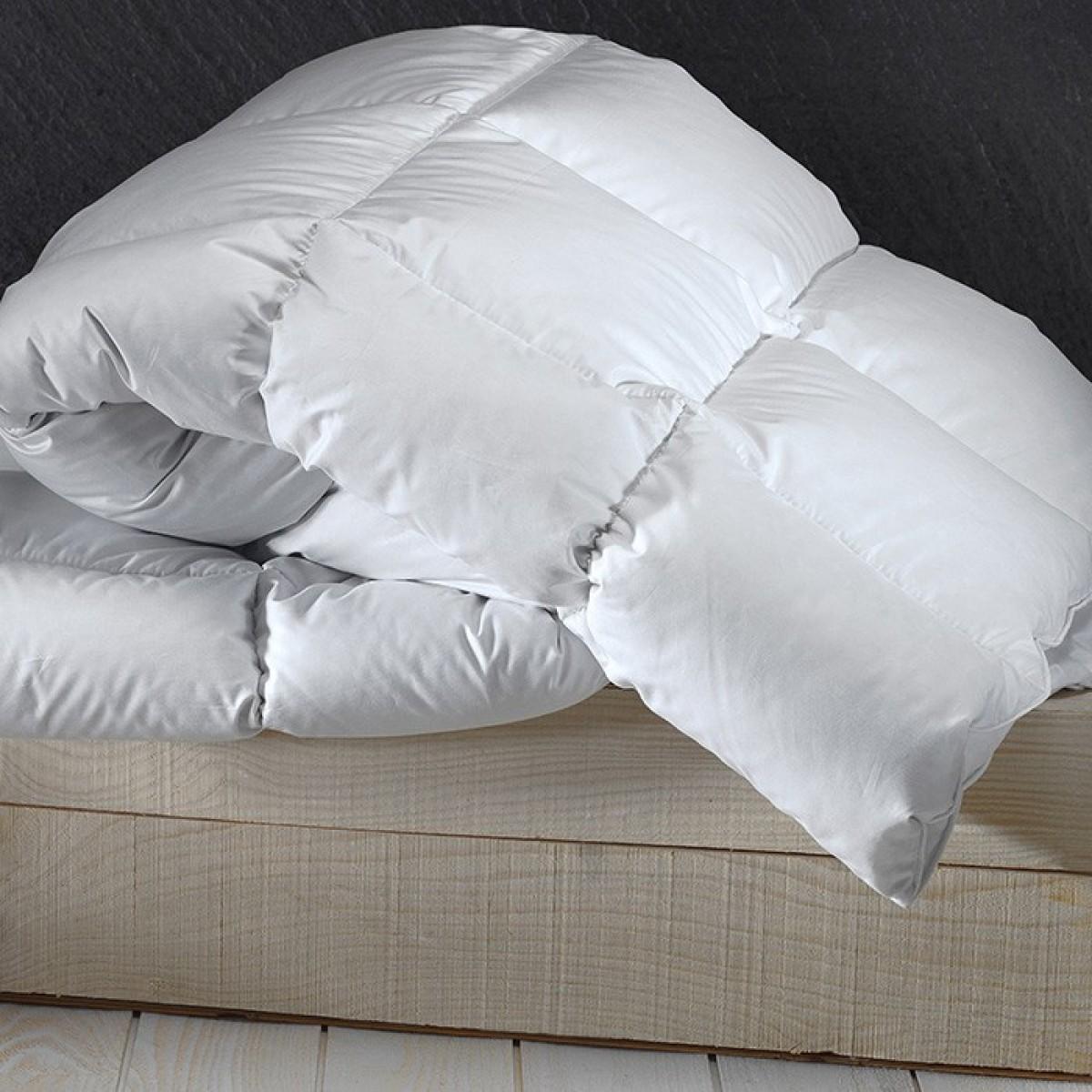 couette duvet d 39 oie du p rigord dumas paris. Black Bedroom Furniture Sets. Home Design Ideas